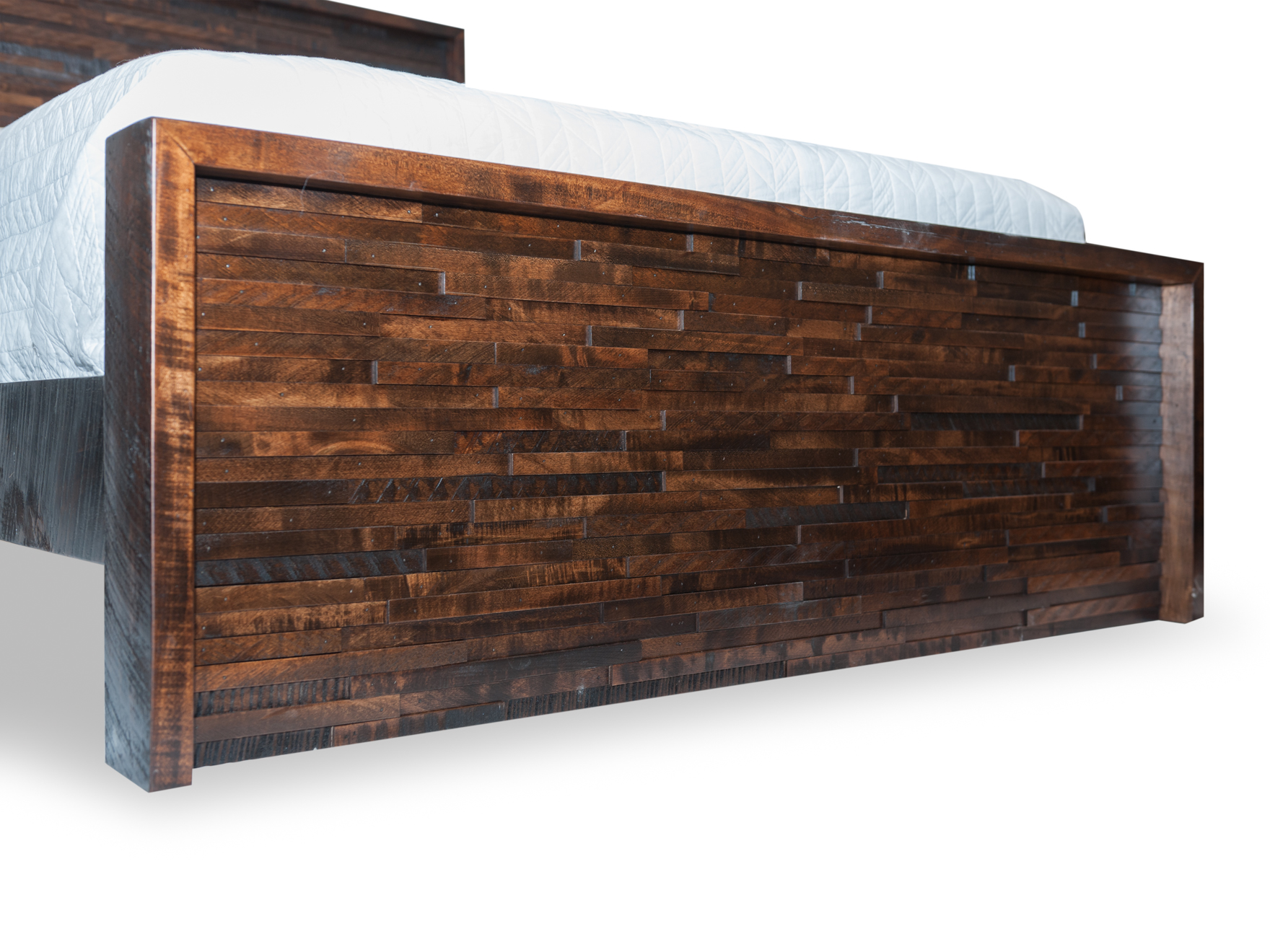 009_Woodcraft_Furniture_GreatLakesQueenBed_FrtQtrC-3.jpg