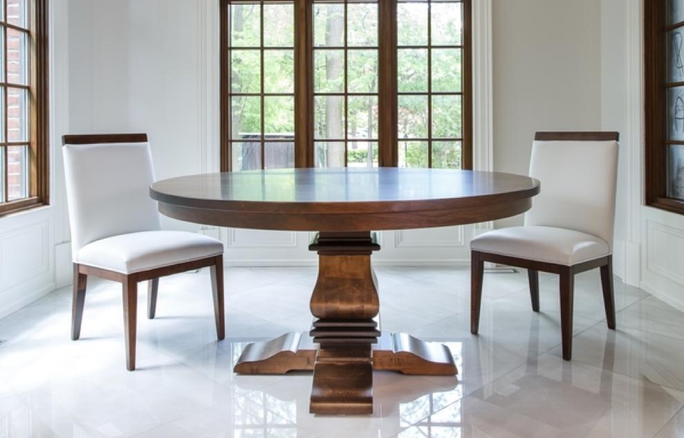 A Few Tables that Look Stunning in Oak