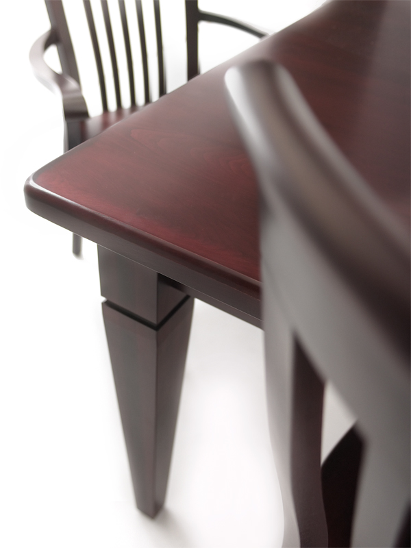 WoodcraftClassicDiningTable_WithChairs_Detail1-1-1-1-1.jpg